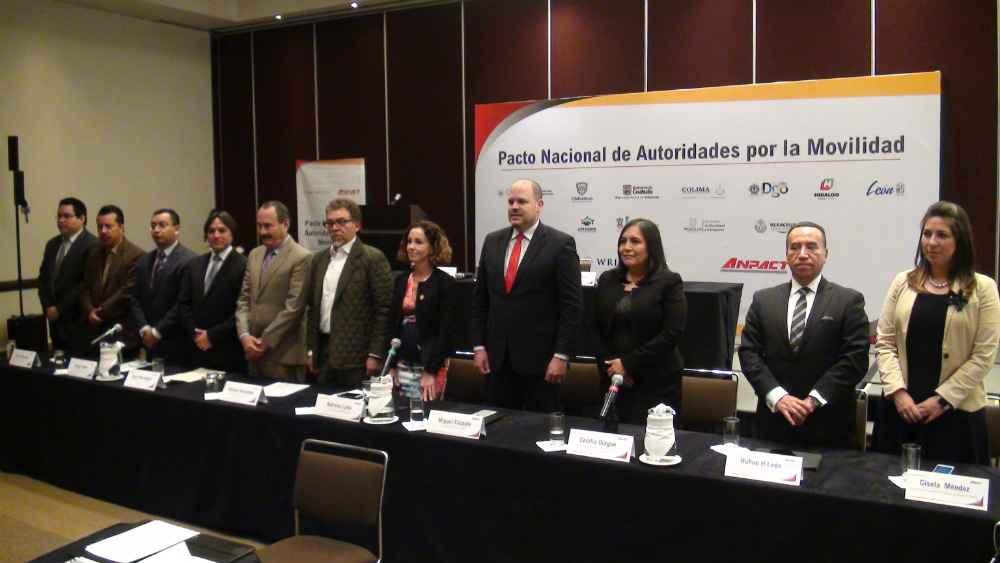 Firman Pacto Nacional de Autoridades por la Movilidad