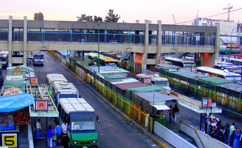 Personas emplean 5 horas en transporte público para cruzar la ZMVM