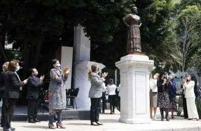 escultura-leona-vicario-paseo-de-las-heroinas