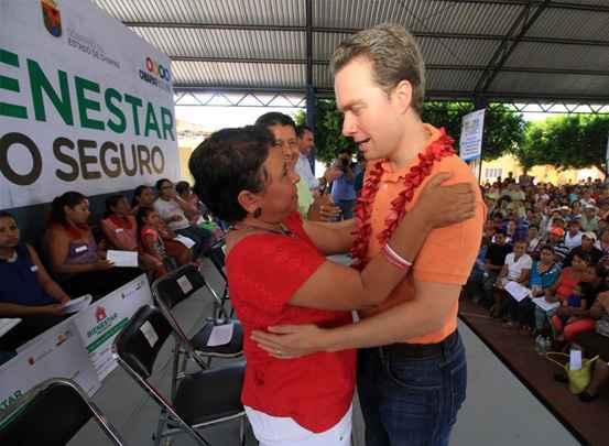 50,000 pisos seguros en Chiapas antes de que concluya 2016: Velasco