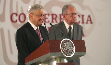 """AMLO defiende proyecto de Santa Lucía: """"vamos a ahorrar 100,000 mdp"""""""