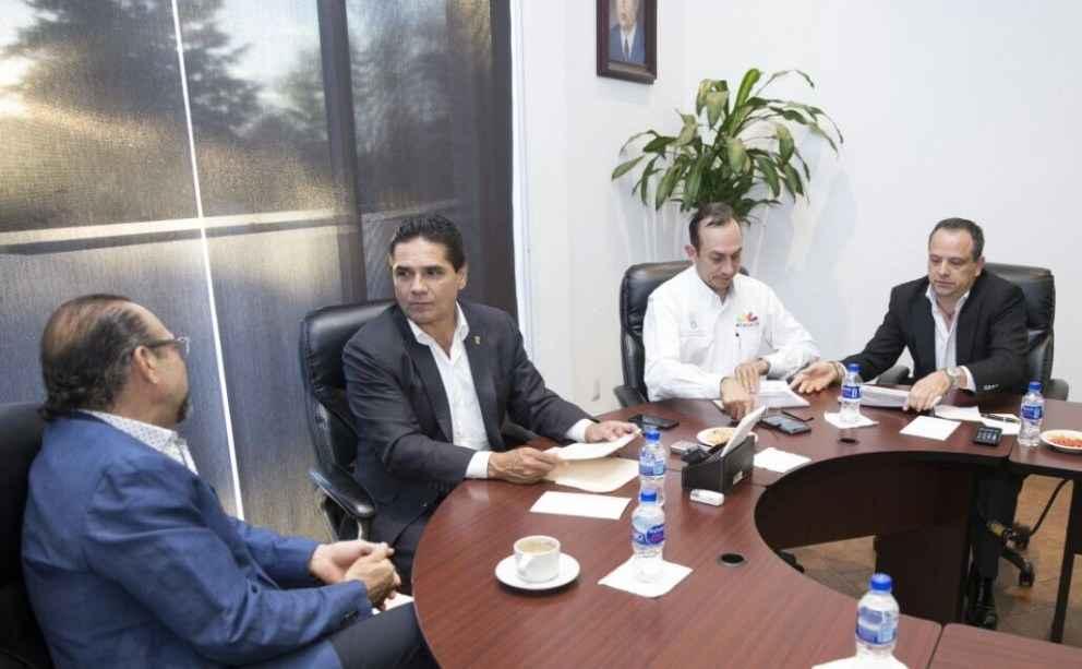 Aureoles garantiza facilidades para invertir en Michoacán