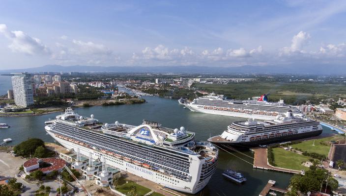 inauguran-en-puerto-vallarta-centro-comercial-tematico-con-inversion-de-300-mdp