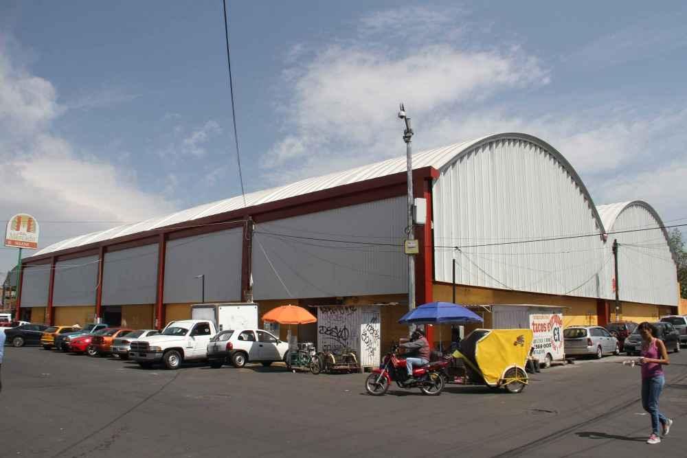 Rehabilitan Mercado Selene en Tláhuac
