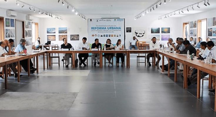 Realizan foro para crear Reforma Urbana