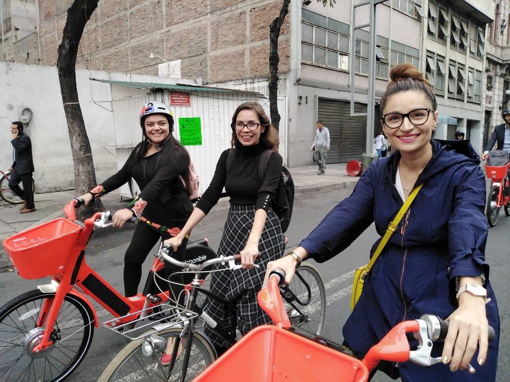'Red Woman in Motion', por el derecho a la ciudad para mujeres