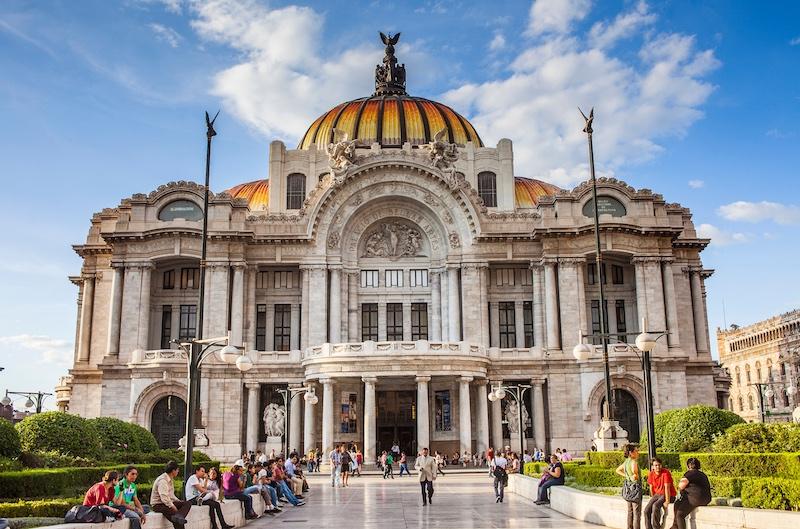 Publican guía para conocer historia del Palacio de Bellas Artes