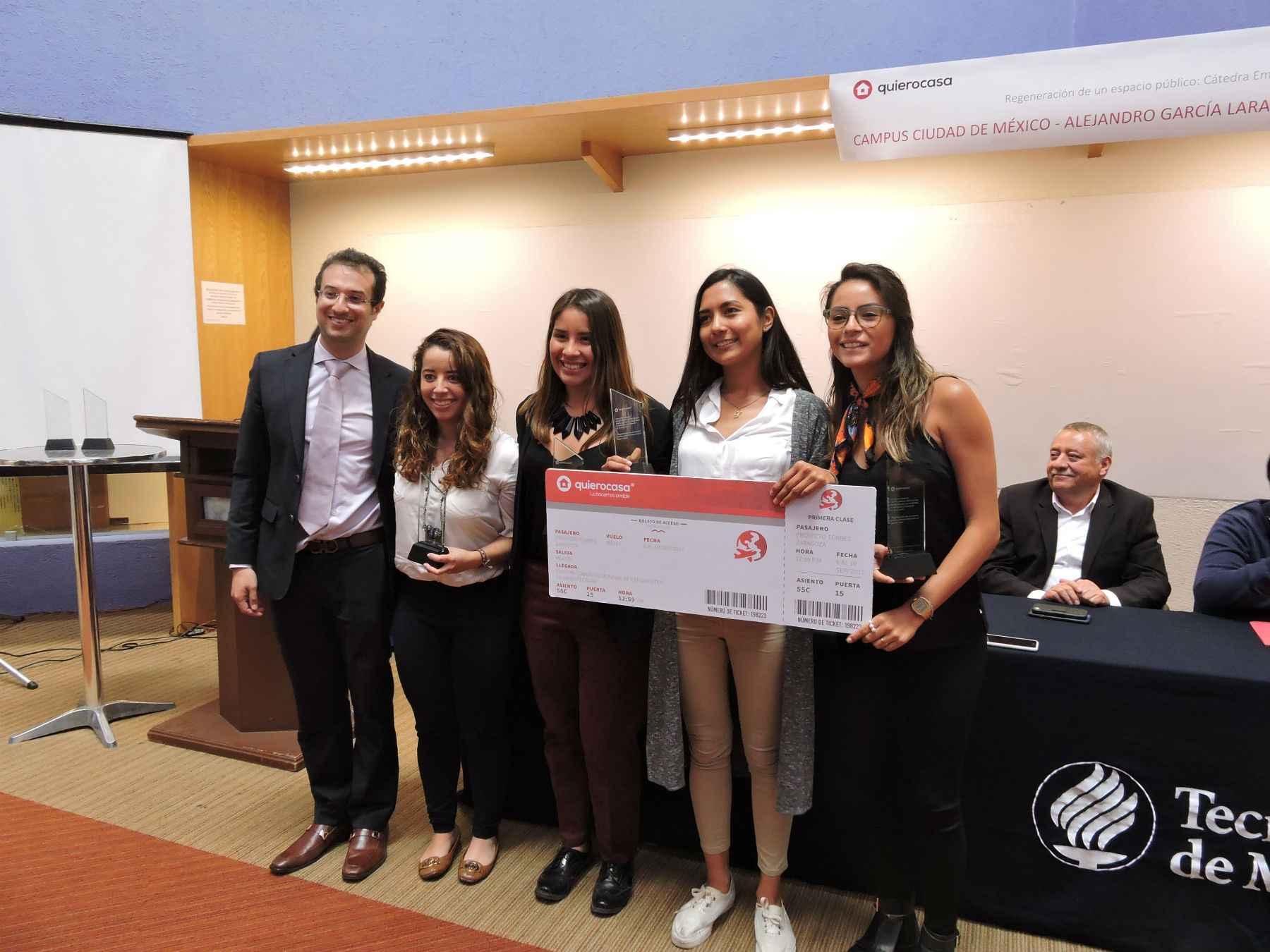 Entregan premio a alumnas de arquitectura del Tec de Monterrey