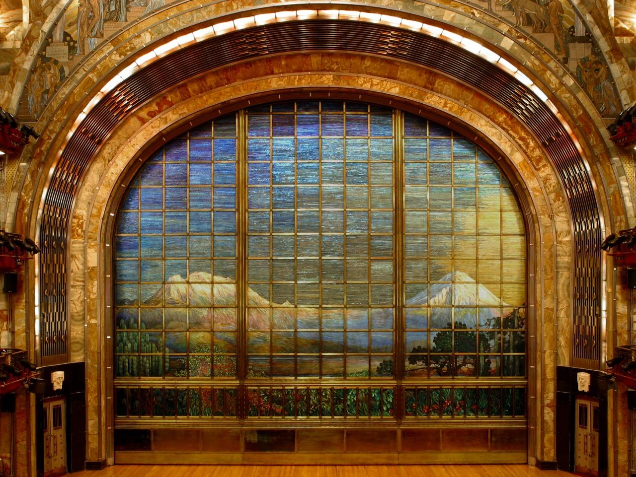 Se abre el telón: 89 años del Palacio de Bellas Artes