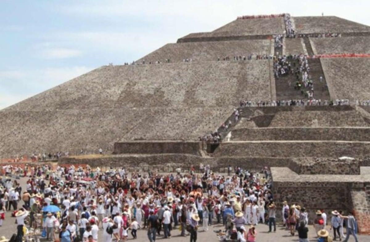 prohiben-asenso-a-piramides-del-sol-y-la-luna-en-teotihuacan