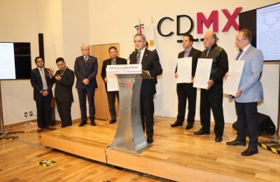 GCDMX entrega certificados a damnificados por el sismo 19S