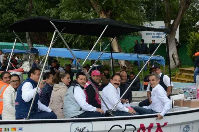 Rehabilitarán embarcaderos en Xochimilco