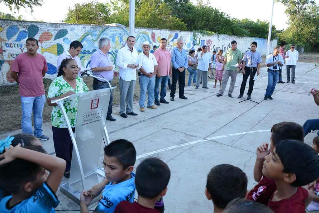 Inauguran unidad deportiva en Sinaloa