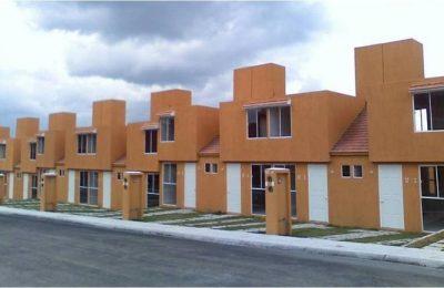 Hay un desastre en el sector vivienda, asegura AMLO