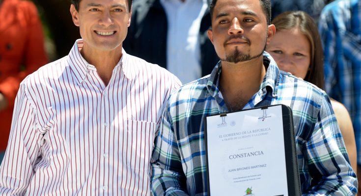 Entregan 200 viviendas a jóvenes zacatecanos