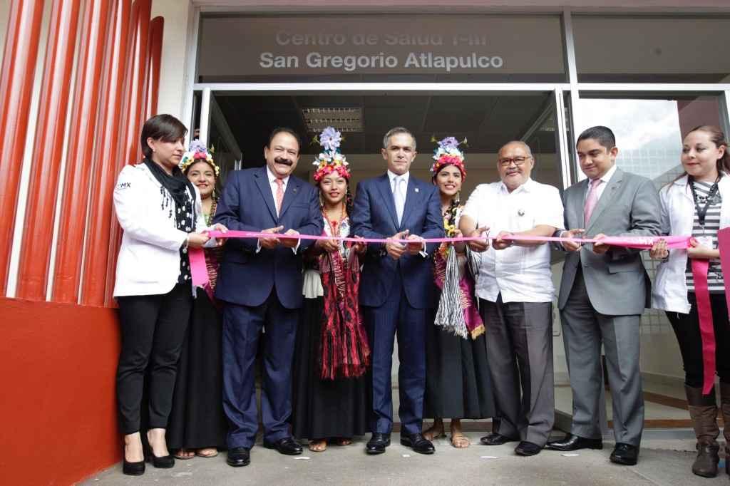 Jefe de Gobierno inaugura centro de salud en Xochimilco